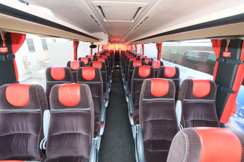 Bus serratore viaggi 5 bus for Interno autobus